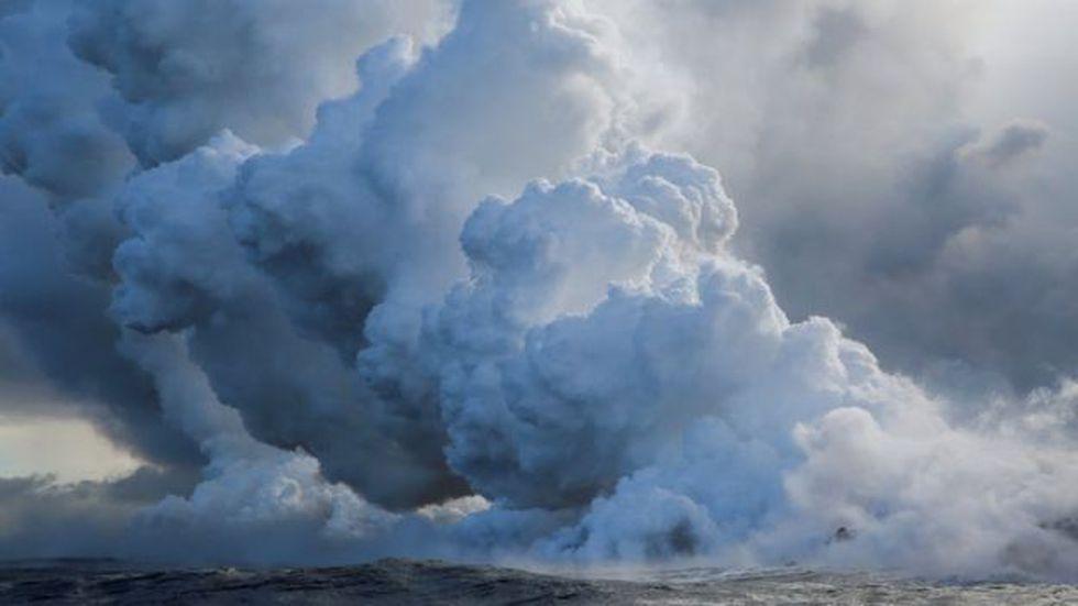 """Las columnas de humo tóxicas """"laze"""" pueden causar irritación y dificultades para respirar, dicen los funcionarios"""