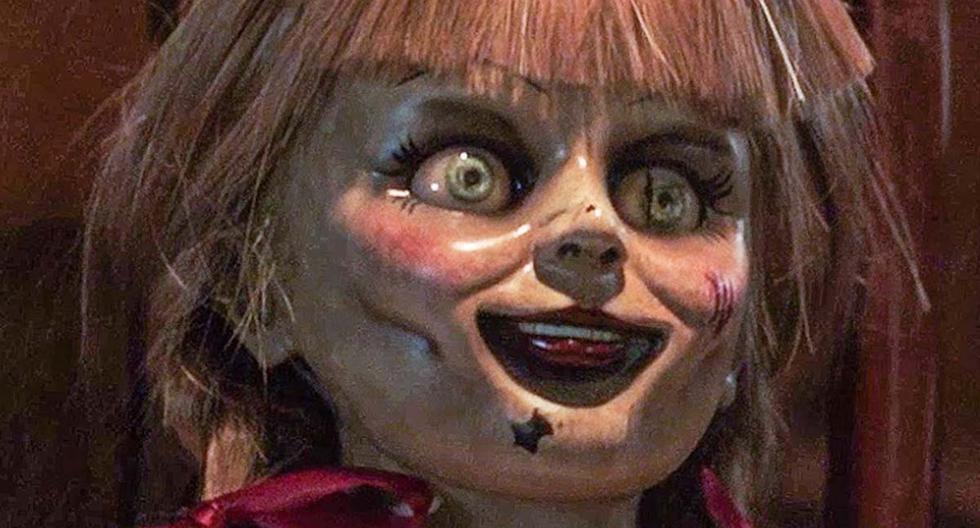 La diabólica muñeca Annabelle fue reportada como desaparecida a primeras horas de este 14 de agosto. Los memes inundaron las redes sociales. | Foto: Warner Bros. (Desliza hacia la izquierda para ver más imágenes).