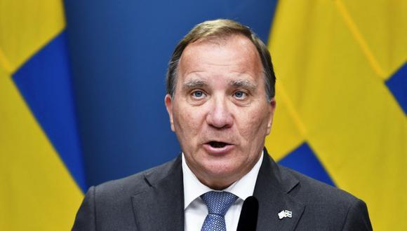 El primer ministro de Suecia, Stefan Lofven, asiste a una conferencia de prensa después de la votación de censura en el Parlamento, el 21 de junio de 2021. (Foto de Anders WIKLUND / AFP).