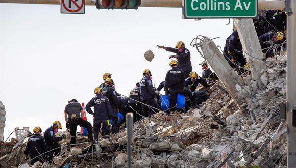Sophía López Moreira, hermana de la primera dama de Paraguay, su esposo Luis Pettengill y sus tres hijos estaban entre las decenas de personas desaparecidas tras el colapso del edificio en Surfside. (Foto: EFE/ Cristobal Herrera-ulashkevich)