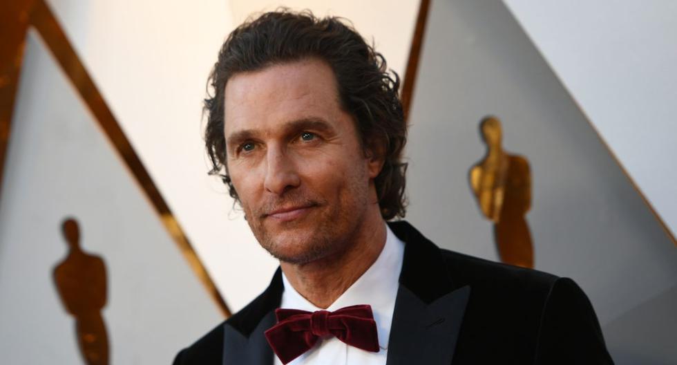 El actor Matthew McConaughey compartió un momento ameno con un grupo de abuelos y su familia. (AFP).