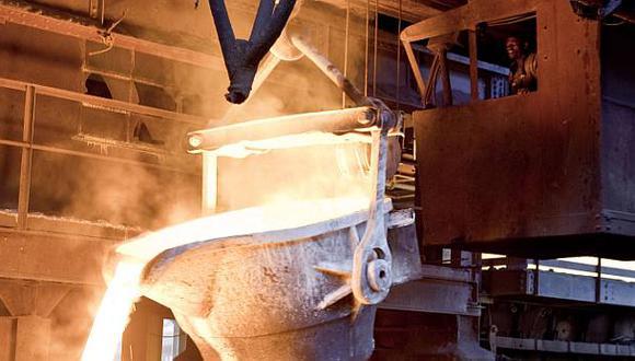 Precios del cobre se hunden a mínimos de casi siete años