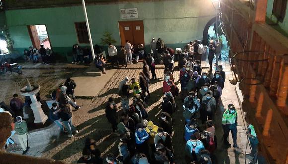 Gran parte de los sancionados no fueron llevados a la comisaría para evitar posibles contagios de coronavirus. (Foto: PNP)