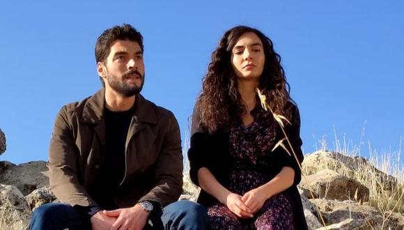 """""""Hercai"""" está protagonizada por los actores turcos Ebru Şahin y Akın Akınözü. (Foto: Mia Yapım)"""