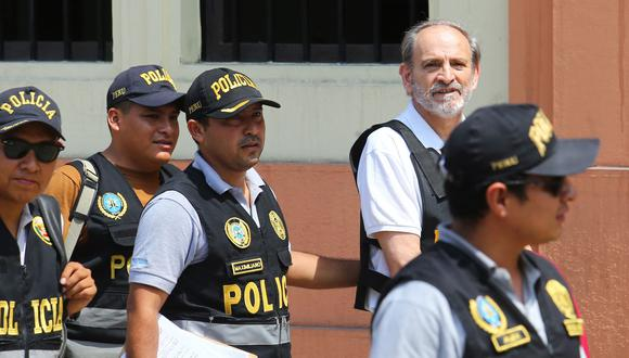 Yehude Simon ingresó al promediar las 10:30 a.m. a la Prefectura de Lima. La investigación al ex primer ministro ha sido declarada compleja por tratarse de organización criminal. (Foto: Andina)