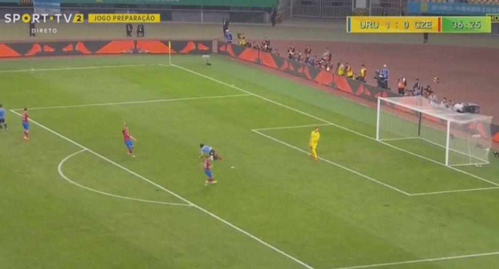 Uruguay vs. República Checa: el espectacular gol de chalaca de Cavani   VIDEO