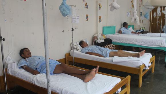 Según el documento, en estas tres regiones hay 2.507 tienen diagnóstico de dengue sin signos de alarma, 729 tienen signos de alarma y 37 se encuentran en estado grave (Foto: Manuel Calloquispe)