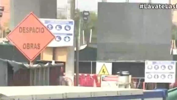 La avenida Próceres de la Independencia, a la altura de la estación Pirámides del Sol, permanece cerrada. Foto: captura