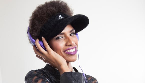 """""""Jamás perfectas"""" cuenta con la conducción de la cantante Mera de la Rosa , quien ya había incursionado en la televisión con el programa """"Acceso total"""". Foto: Plus TV."""