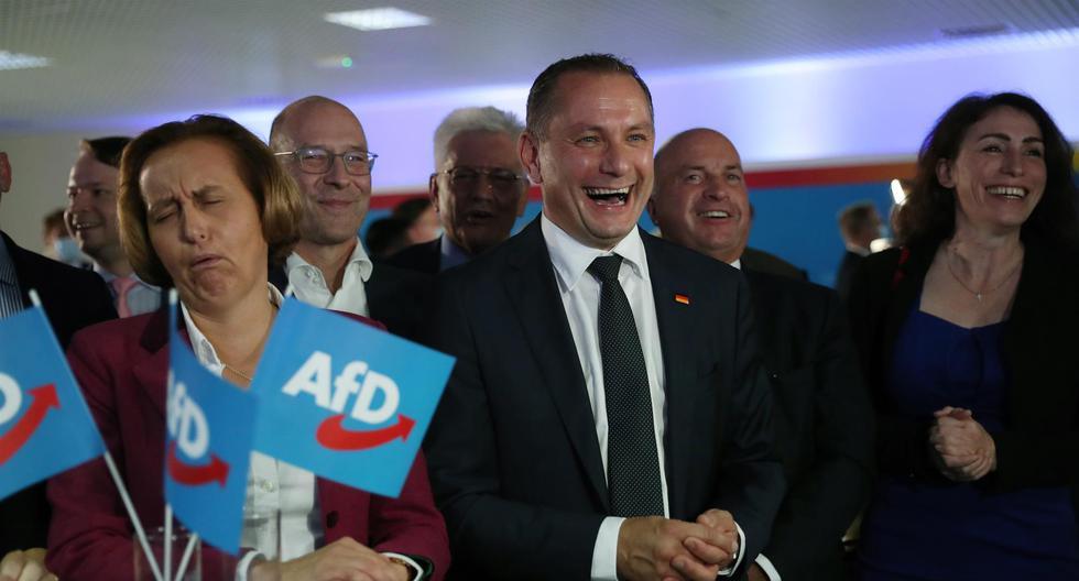 Los dirigentes de la Alternativa por Alemania (AfD) reciben los primeros resultados de las elecciones federales. (EFE / EPA / MARTIN DIVISEK).