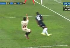 Universitario vs. Municipal: Ramírez bloqueó el centro de Aldo Corzo con la mano, pero no fue penal | VIDEO