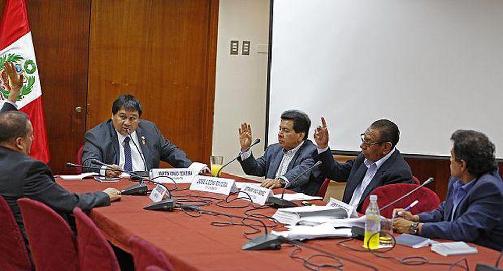 Admiten a trámite denuncia contra Galarreta y Virgilio Acuña