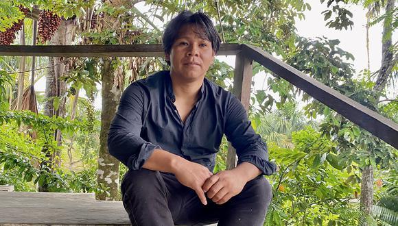 Pintor de herencia huitoto y kukama comparte  un testimonio de primera mano sobre la dramática situación que hoy enfrentan los indígenas en la Amazonía.