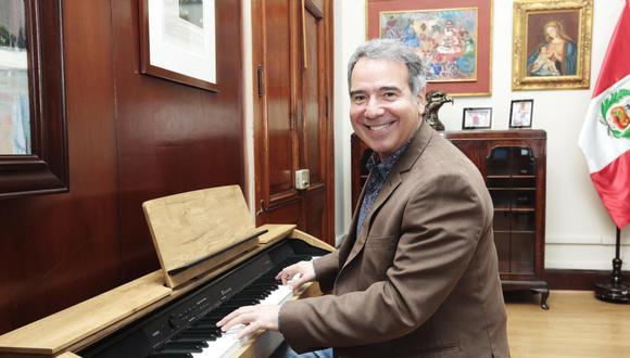 Francisco Petrozzi fue tenor solista de Opera Estatal de Baviera-Múnich  entre 1999 y 2015. En el 2016 regresó al Perú, postuló al Parlamento con Fuerza Popular y resultó elegido. (Foto: GEC)