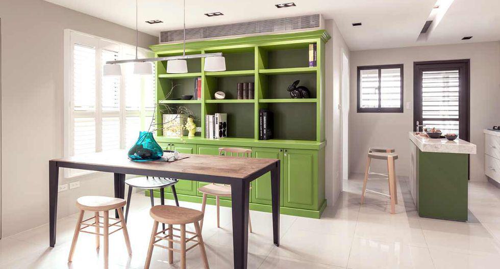 La forma más sencilla de unificar los ambientes, es usar el mismo revestimiento en el piso. (Foto: Folk Design)