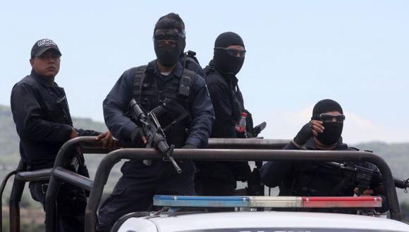México: Intenso tiroteo entre narcos y policías deja 43 muertos