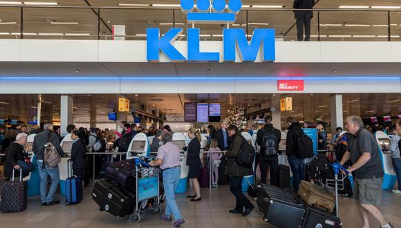 Las aerolíneas piden contactarse con ellas 48 o 72 horas antes del vuelo programado para no saturar las vías de comunicación.