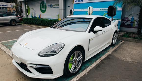Cargador público para vehículos eléctricos instalado por Porsche en San Isidro. (Foto: Difusión)