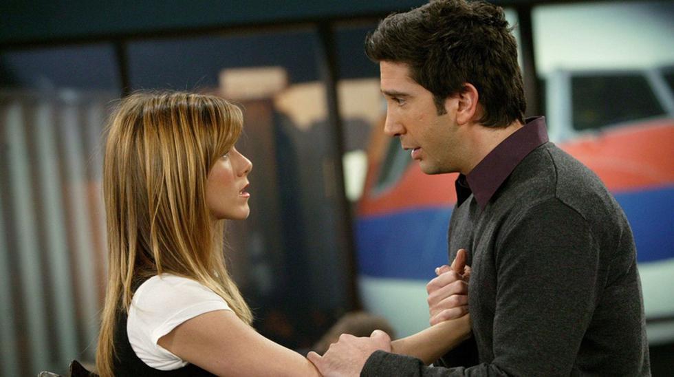 """Rachel (Jennifer Aniston) y Ross (David Schwimmer) en una escena de """"Friends""""."""