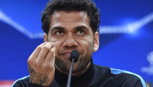 """Alves insulta a la prensa y Barcelona """"no admite"""" sus palabras"""
