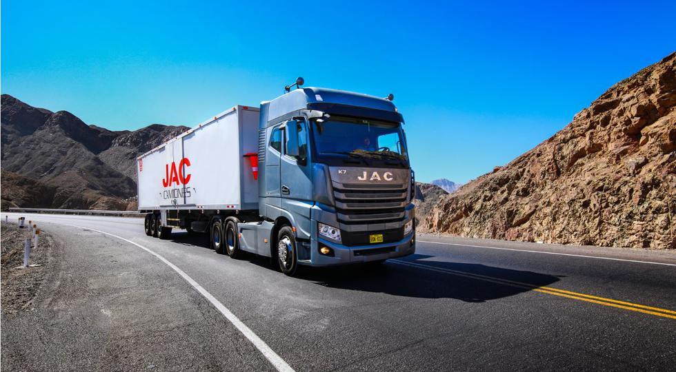 DercoMaq presentó el nuevo JAC Tracto K7 Euro V. (Foto: Difusión)