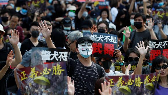 El Congreso chino emitió una abierta crítica a la Alta Corte de Hong Kong tras juzgar como inconstitucional la prohibición de usar máscaras durante las manifestaciones en el territorio semiautónomo. (Reuters)