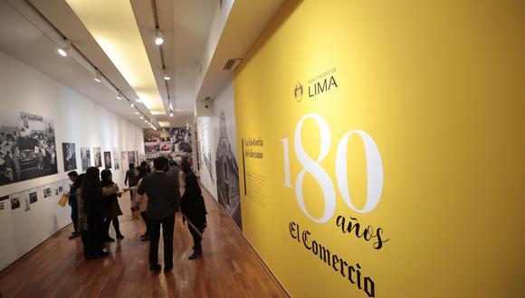 Exposición en la galería Pancho Fierro destaca el trabajo periodístico y su relación con la historia. (Foto: Hugo Pérez/El Comercio)