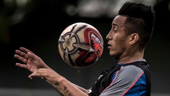 Christian Cueva ha jugado poco en Santos, su cotizació cayó, pero sigue entre los más caros de Brasil.(Foto: Santos FC)