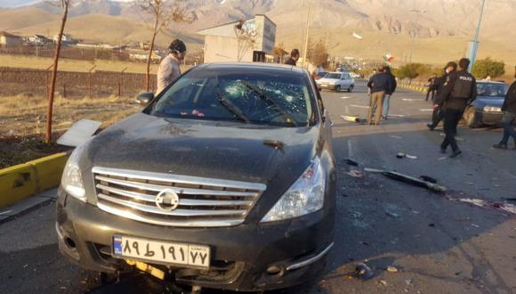 Imagen muestra la escena del ataque terrorista contra el destacado científico nuclear iraní Mohsen Fakhrizadeh, en la ciudad de Damavand, al norte de la ciudad capital de Teherán. (EFE/EPA/IRIB).