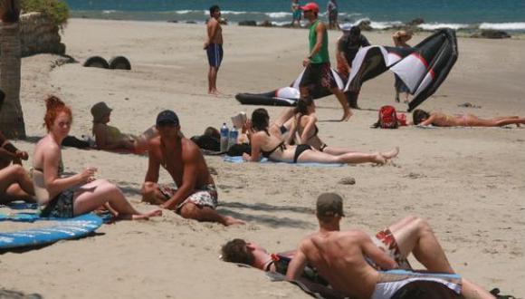 Advierten sobre riesgo ambiental en balneario de Colán