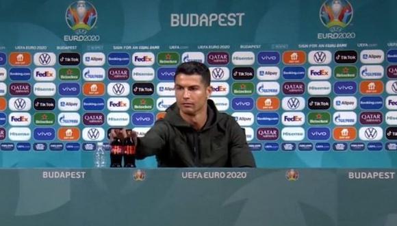 Cristiano Ronaldo fue protagonista en la Eurocopa 2021 por retirar botellas de gaseosas en la conferencia de prensa. (Captura: Eurocopa)
