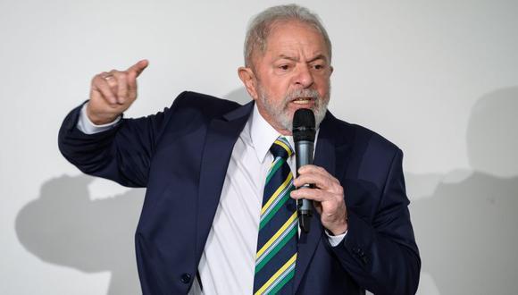 La condena impuesta contra Lula da Silva apartó al líder de la izquierda brasileña de la carrera electoral y, según sus correligionarios, allanó el camino a la Presidencia de Jair Bolsonaro, su principal rival en los comicios del 2018. (Photo by Fabrice COFFRINI / AFP)