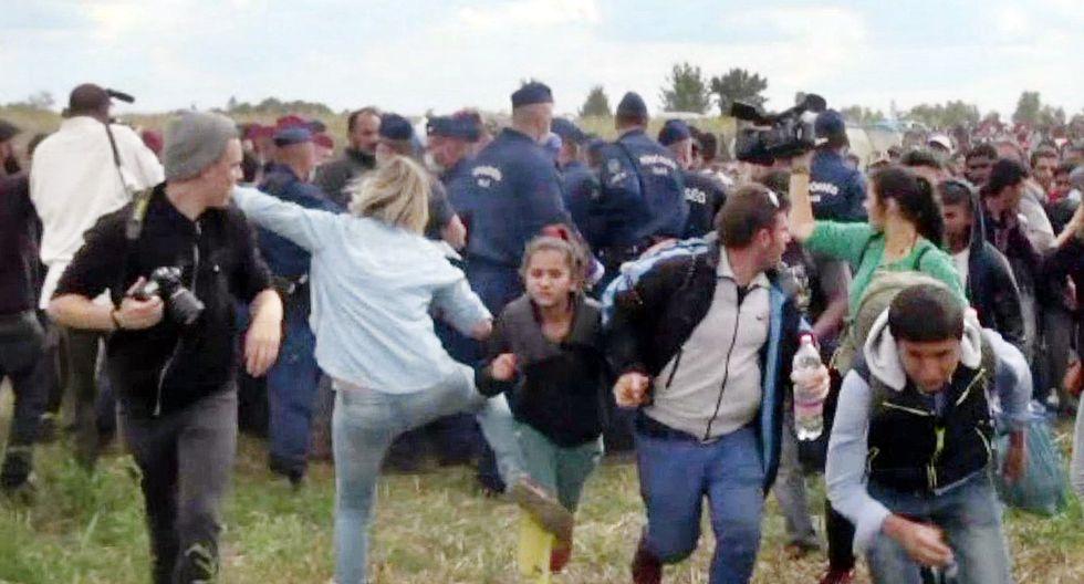 Petra Laszlo: la justicia de Hungría absuelve a la periodista que pateó a refugiados. Ella fue grabada en setiembre del 2015 poniendo zancadillas a refugiados. (AFP).