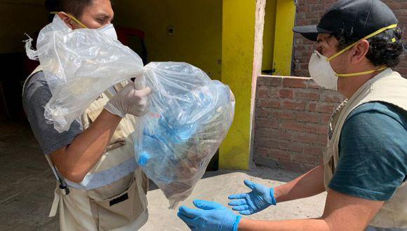 De acuerdo con el MEF, durante la distribución de los productos de primera necesidad, se deben priorizar las disposiciones sanitarias y evitar las aglomeraciones (Foto: Andina)