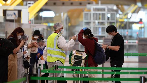 España ordena cuarentena obligatoria para viajeros de Brasil, Perú, Colombia y nueve países africanos por coronavirus (PIERRE-PHILIPPE MARCOU / AFP).