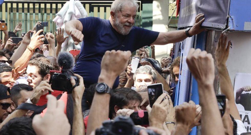 YouTube: Lula da Silva fue llevado en andas por una multitud tras su discurso. (Foto: AP)