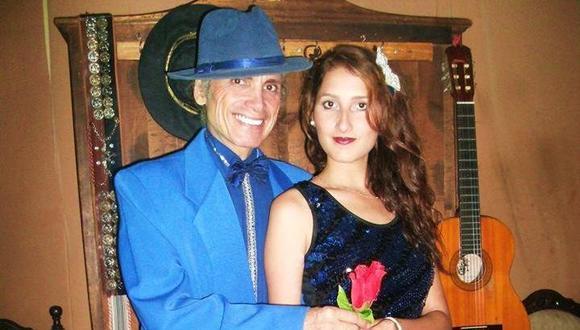 Carlos Fernández Prada junto a su hija Michelle, de 21 años.
