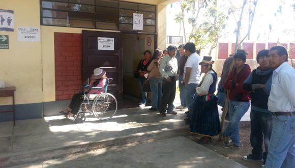 En Moquegua aún no se instalan toda las mesas de votación