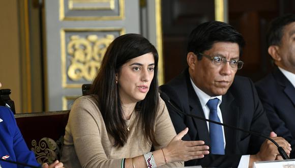 La ministra de Economía, María Antonieta Alva, indicó que con el D.U. se busca que los funcionarios reciban sus pagos como lo hacían antes de la publicación del D.U. 261. (Foto: Ministerio de Economía y Finanzas)