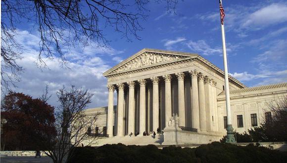 La Corte Suprema de Estados Unidos vuelve a salvar el Obamacare. (REUTERS/Brendan McDermid).