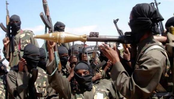 Boko Haram dinamita puente para impedir que hallen a las niñas