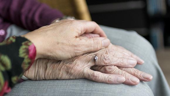 Los investigadores consideran probar las vacunas en desarrollo en la población adulta mayor. (Foto: Pixabay)