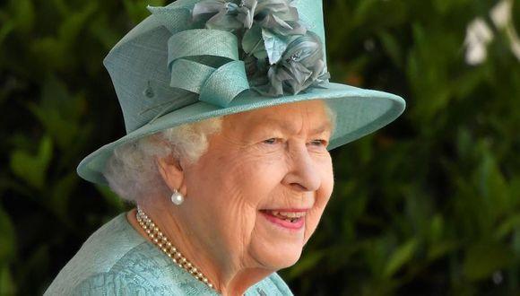 La reina Isabel II en una imagen del 13 de junio del 2020 en el castillo de Windsor. (Foto: TOBY MELVILLE / POOL / AFP).