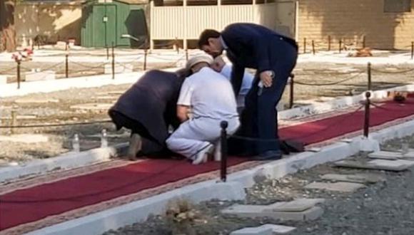 Al acto, que tuvo lugar en un cementerio para no musulmanes por el 102do aniversario del armisticio que puso fin a la guerra, habían asistido representantes de varios países. (Foto: captura de Pantalla)