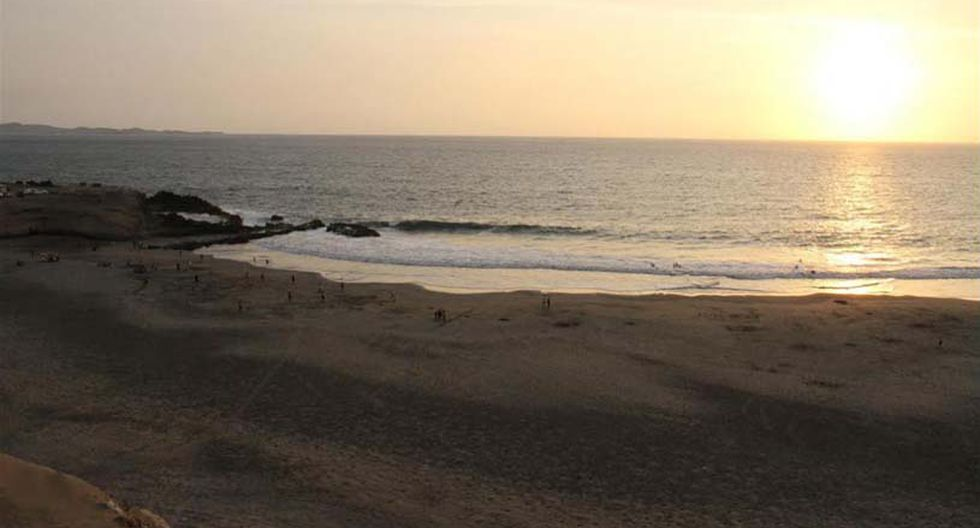 Hornillos. Si buscas disfrutar de un bello atardecer y de olas tranquilas, esta playa es para ti. Se encuentra en el kilómetro 146 de la Panamericana Norte. (Foto: Directur)