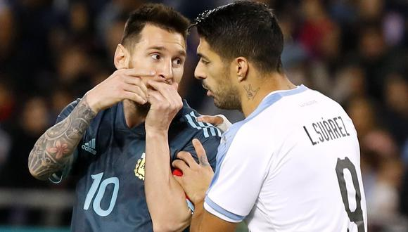 Lionel Messi y Luis Suárez se enfrentan esta noche en el 'Clásico del Río de La Plata'.