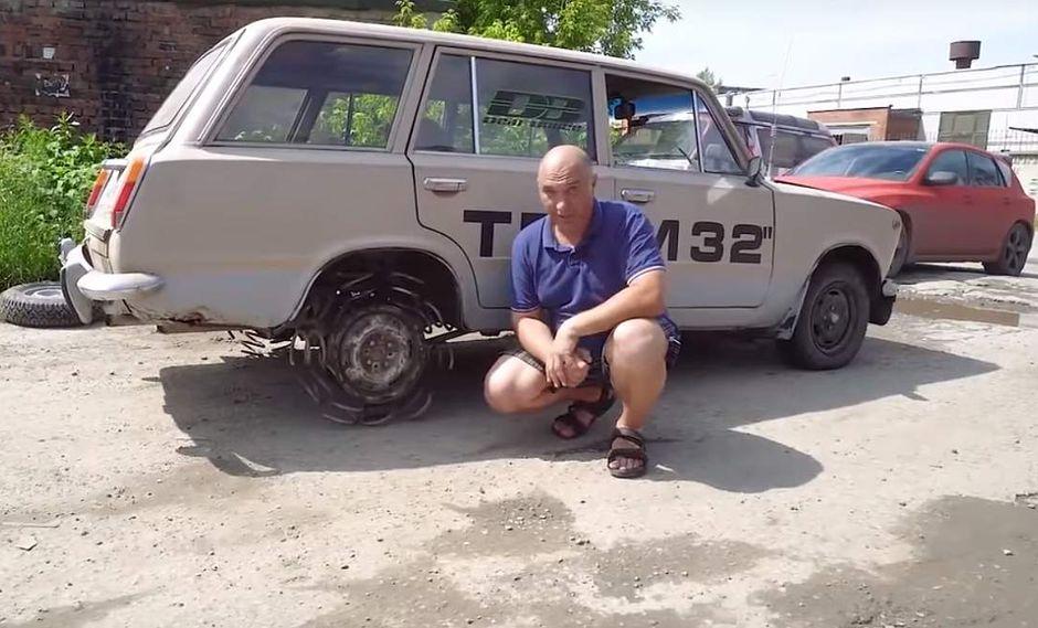Según el protagonista del video, el manejo sobre tierra fue bastante cómodo y no hubo pérdida de tracción. (Youtube)