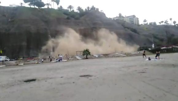 Un nuevo derrumbe en la Costa Verde se registró esta mañana a la altura de la playa Los Yuyos, en el distrito de Barranco.