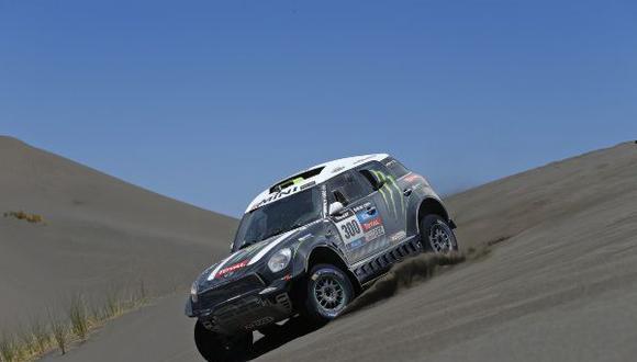 Peterhansel, Barreda-Bort y Patronelli lideran el Dakar