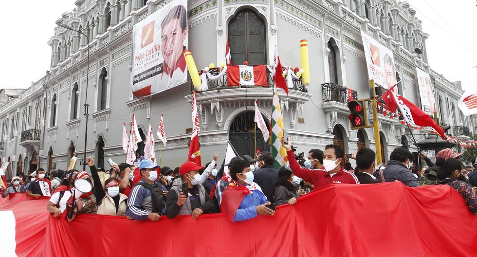 Militantes de Perú Libre, que tuvieron participación en la última campaña electoral, se encuentran implicados en una presunta organización criminal. (FOTO: GERALDO CASO BIZAMA)